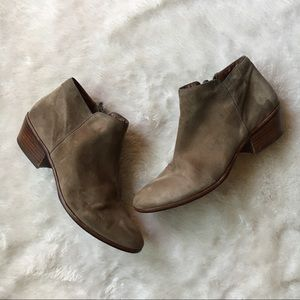 Sam Edelman Petty Suede Leather Bootie in Putty